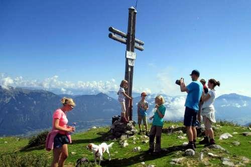 Familienwanderung auf den Poludnig - © www.seehauswinkler.at